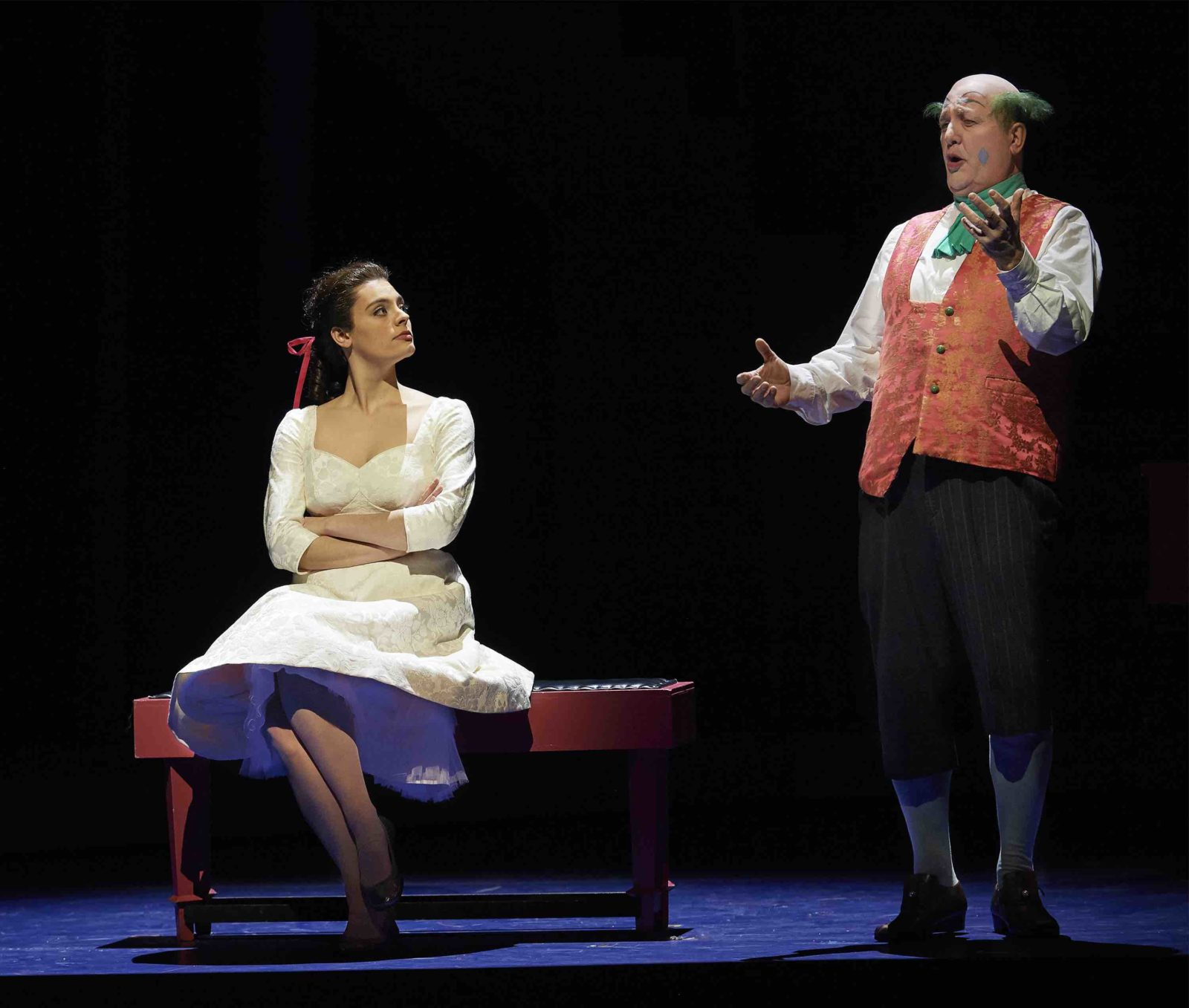 Emily D'Angelo as Rosina and Renato Girolami in the Canadian Opera Company's Barber of Seville