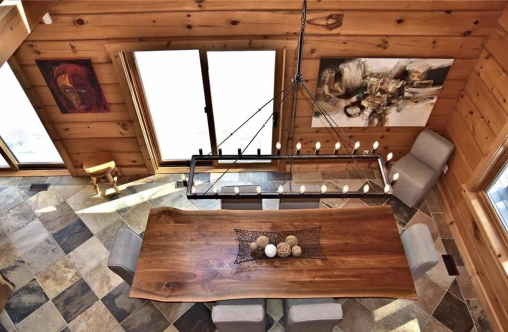 Luxury Kennisis Lake Cottage Perfect for Family Fun