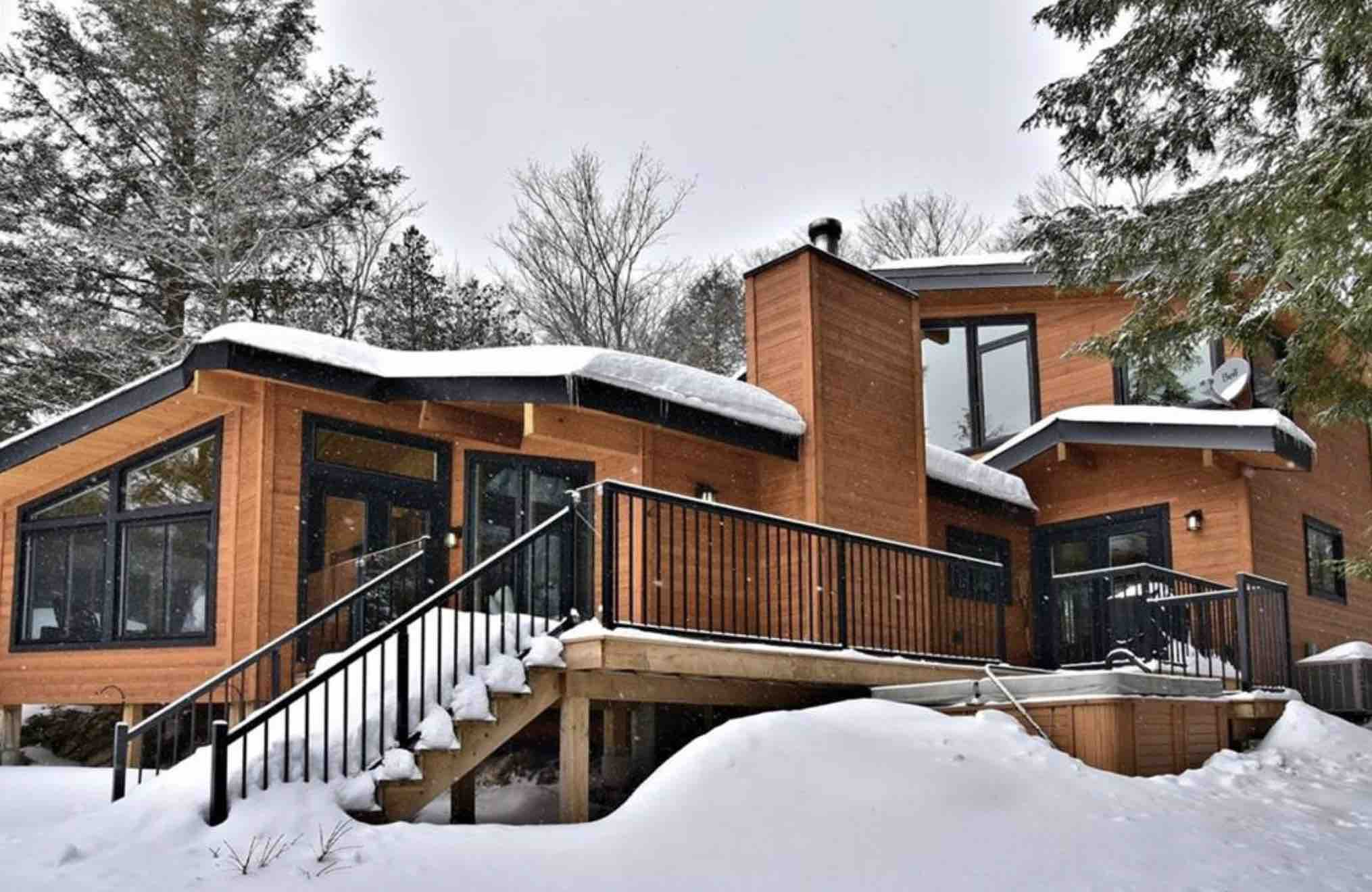 Kennisis Lake Road Cottage for sale exterior in winter